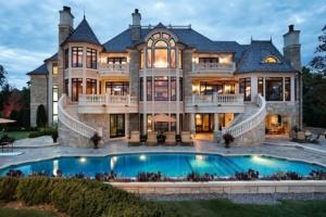 Image:  garish mansion